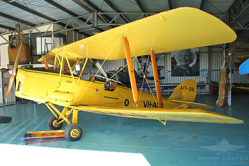 VH-AQJ DE HAVILLAND DH-82A TIGER MOTH