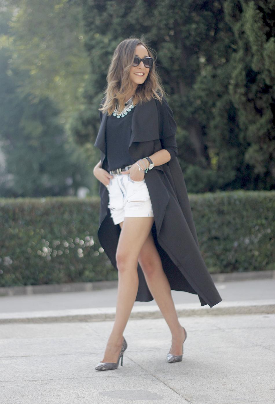 Black Vest Sheinside Shorts Outfit21