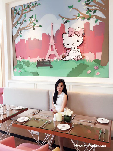 hello kitty gourmet cafe sunway pyramid girl