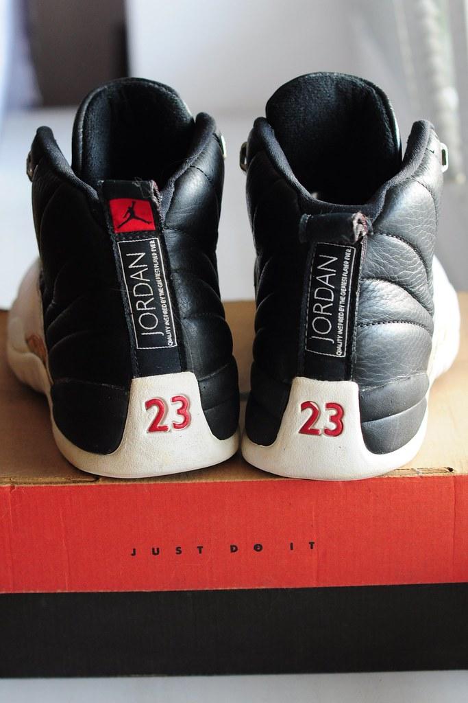 """1997 NIKE AIR JORDAN XII """"playoff"""" (BLACK/VAR RED-WHITE-MET SILVER) 136001 061"""