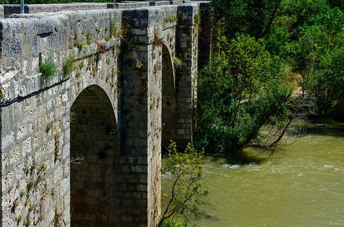 Puente renacentista de Olivares de Duero