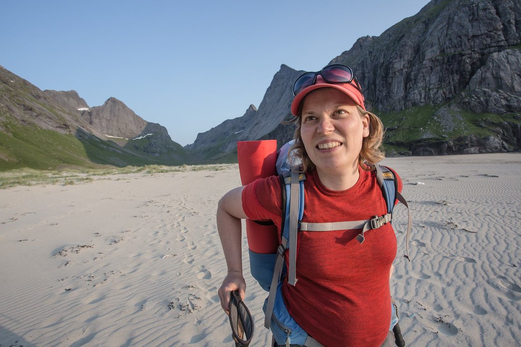 Tired, but superhappy almost-mommy. Lofoten archipelago. Norway. #6monthspregnantinpicture #6kgbackpack