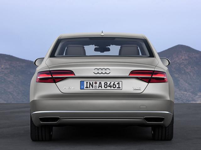 Фотографии Audi A8