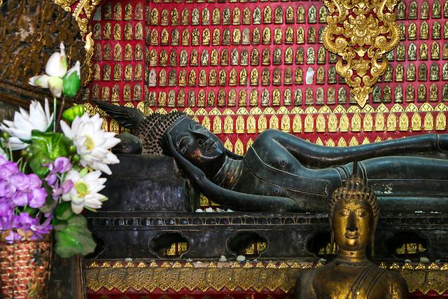 Reclining Buddha in Wat Xieng Thong, Luang Prabang, laos ルアンパバーン、ワット・シェントーンの涅槃仏