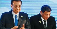 Hình Lý Khắc Cường với Duterte tại hội nghị ASEAN, Lào (6/9/2016)