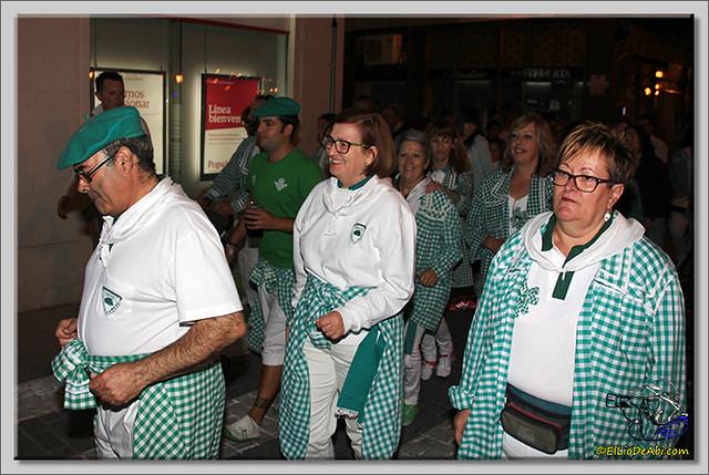 Minuto de silencio en memoria de Pedro Villar y desfile de peñas (6)