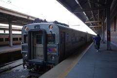 日, 2015-09-06 21:45 - Philadelphia 行きNJ Transit