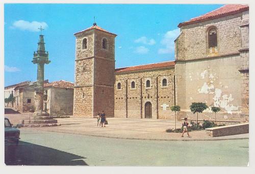 Picota y vista exterior Iglesia Parroquial Ntra. Sra. de la Asunción Fuentenovilla (Guadalajara)