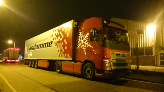 VANDAMME TRANSPORT VOLVO FH4 IN THE UK