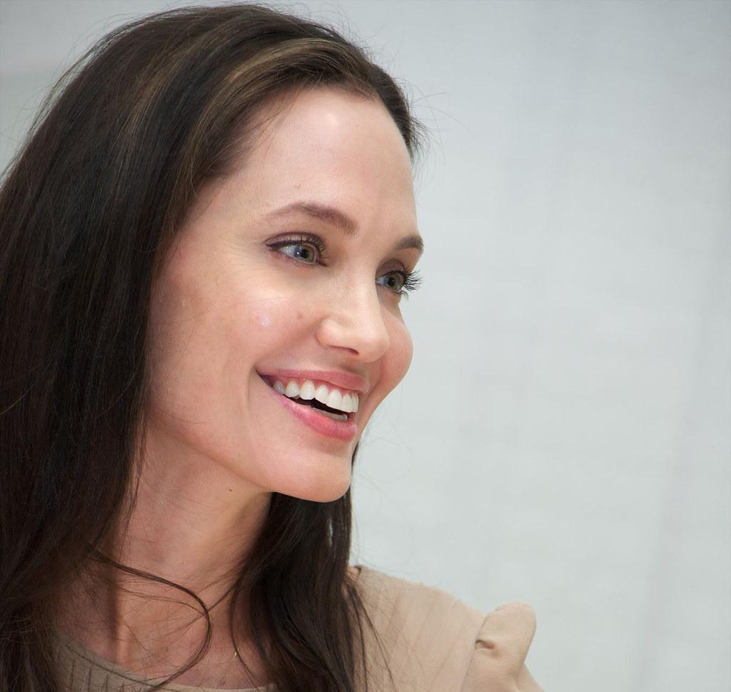 Анджелина Джоли — Пресс-конференция «Лазурный берег» 2015 – 9
