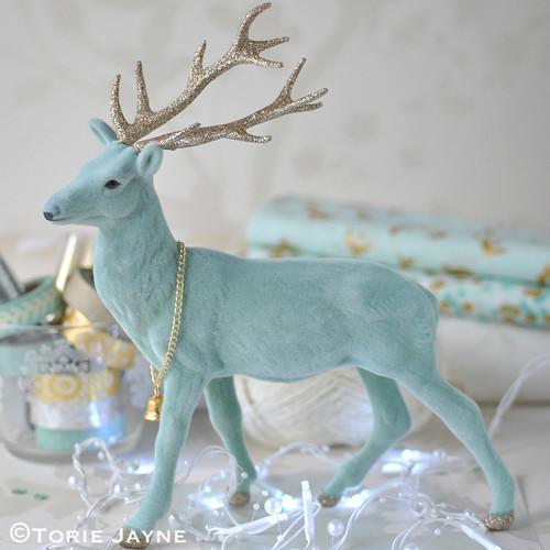 Mint glitter stag decoration 1
