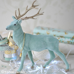 Mint glitter stag decoration 1