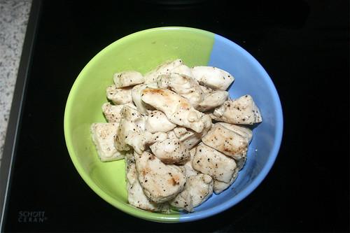 38 - Hähnchenbrustwürfel entnehmen / remove chicken breast
