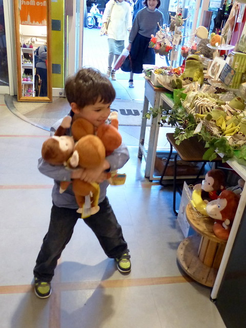 Hugging all the Monkeys