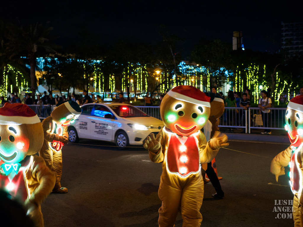 mall-of-asia-parade