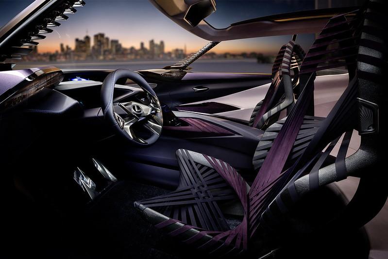 Фото салона Lexus UX