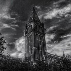 Day 363 Tower #tower #spire #sky #clouds #igsanantonio #igsanantoniotexas #365project #bnw #blackandwhite #lookup