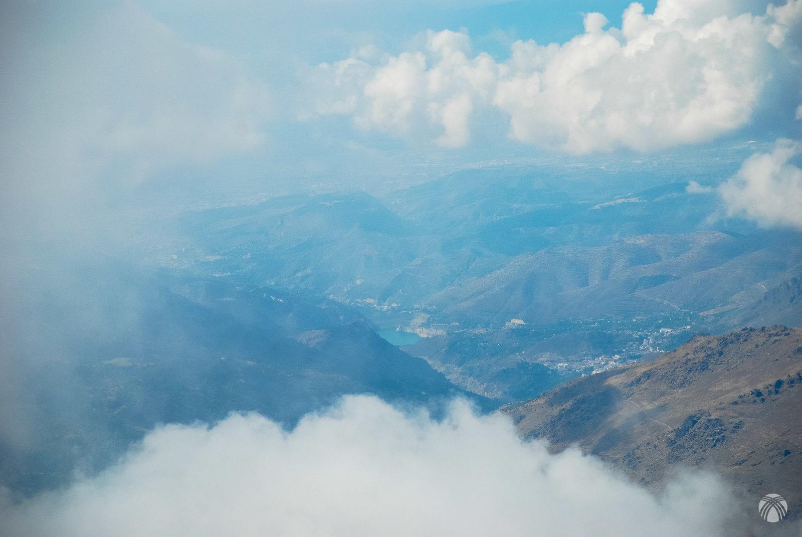 Valle del río Genil con Güéjar Sierra a la derecha