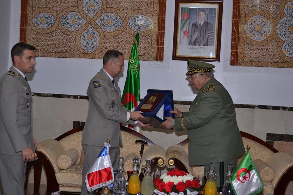 الجزائر : صلاحيات نائب وزير الدفاع الوطني - صفحة 5 30148769534_ef3d309f5e_o