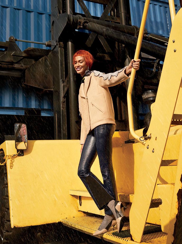Джоан Смоллс — Фотосессия для «Glamour» 2016 – 3