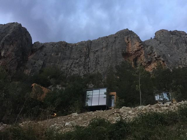 Habitaciones o cubos en el Vivood Landscape Hotel (Valle de Guadalest, Alicante)