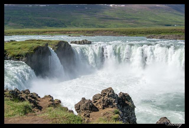Islandia Myvatn Godafoss Akureyri Glaumbaer Vidimyrarkirkja Grundarfjordur - Cascada Godafoss