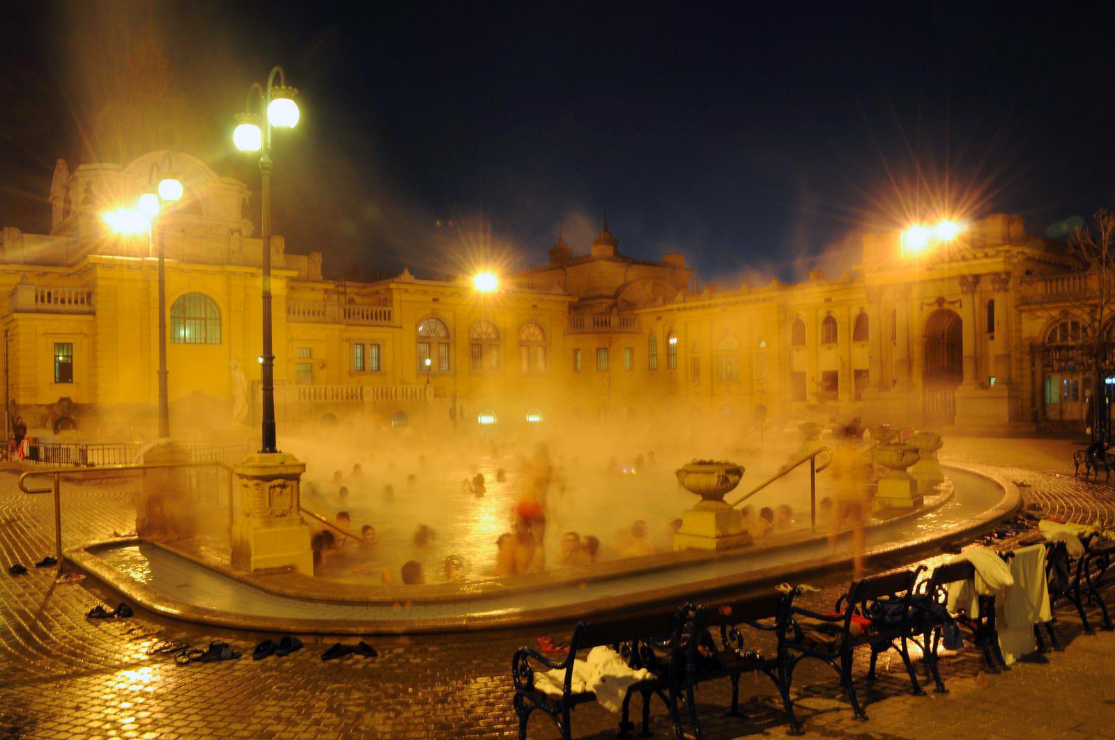 Qué ver en Budapest en un fin de semana: Baños Szechenyi en Budapest budapest en un fin de semana - 21235399089 3ffb5ee7d8 o - Qué ver en Budapest en un fin de semana