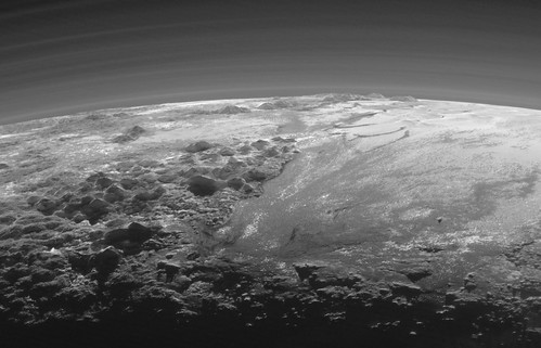 VCSE - Mai kép - Visszatekintés a Plutora
