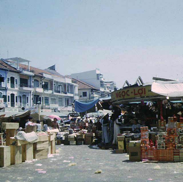 SAIGON 1967 - Chợ Bến Thành, góc Lê Thánh Tôn-Phan Bội Châu