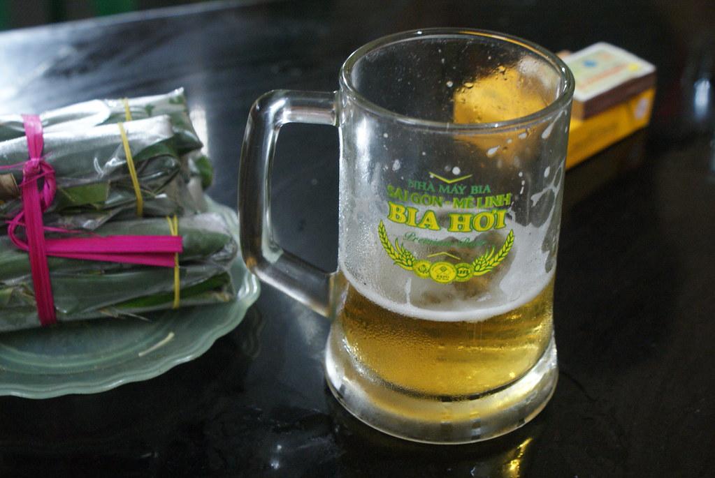 La Bia hoi est la bière la moins chère du monde, brassée chaque jour, elle est légère et peu alcoolisé.