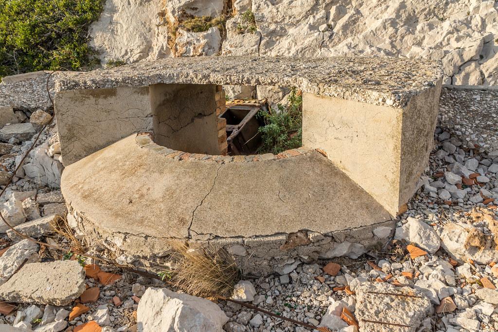 Batterie Sémaphore de Croisette Callelongue (Marseille, 13) 23440427674_3c99663dff_b