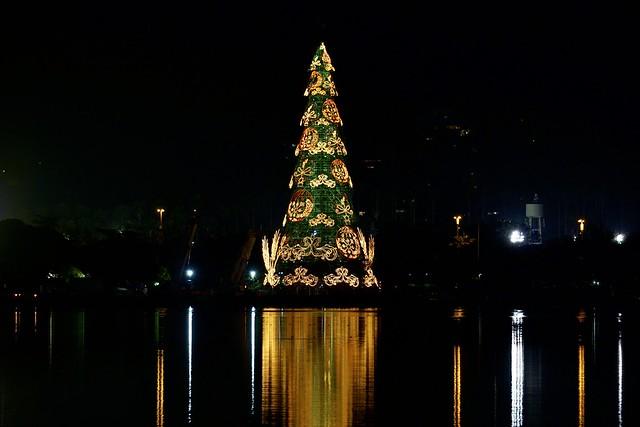 Christmas tree 2015 at the Rodrigo de Freitas lagoon at Ipanema, Rio de Janeiro, Brasil