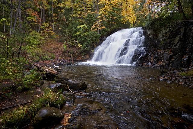 autumn, robertson creek waterfall