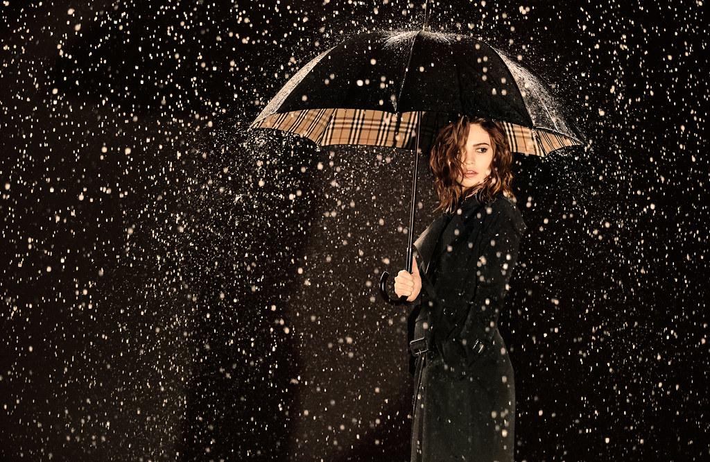 Лили Джеймс — Фотосессия для «My Burberry Black» 2016 – 1