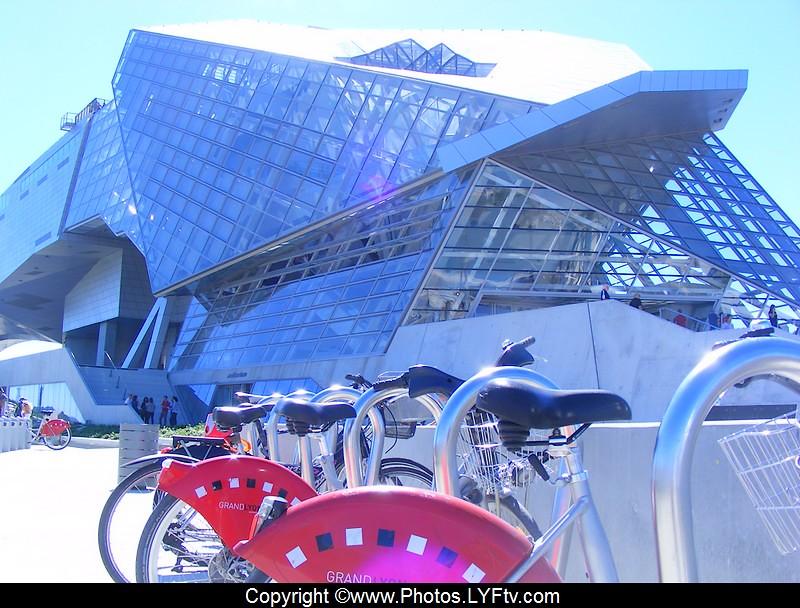 Musée des Conflucences station Velov