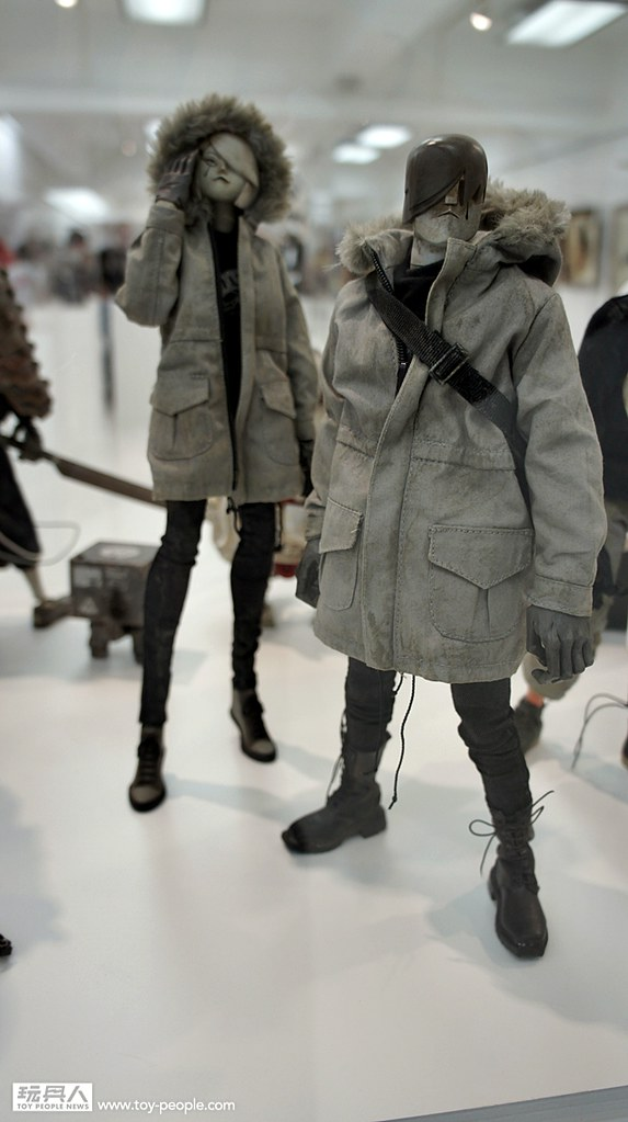 threeA – JAPAN VENTURE【2015 年日本展。完整展覽品】WITH SMILES ON OUR LIPS