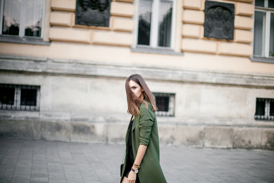 military-green-street-style