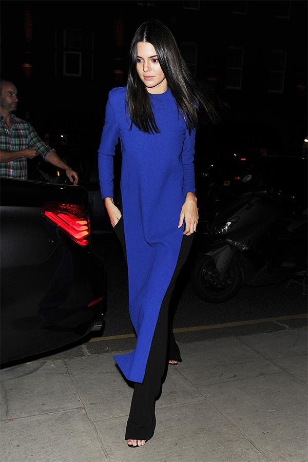 Kendall Jenner Grabbing dinner at Caraffini Restaurant in Paris