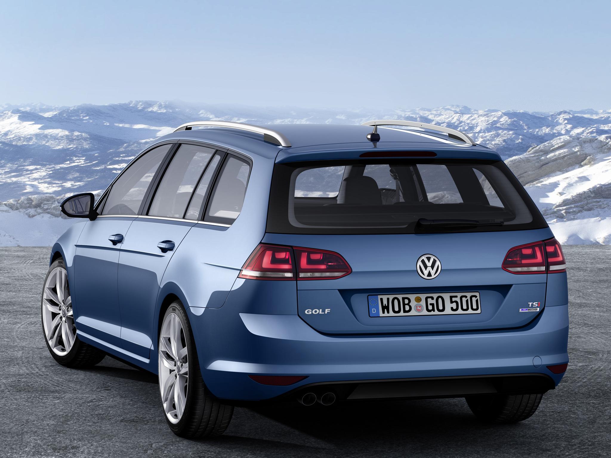 Универсал Volkswagen Golf 7 Variant, вид сзади
