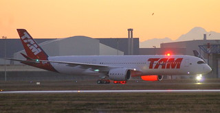 RTO DU PREMIER A350-900 TAM MSN024 F-WZFS FUTUR PR-XTA A TOULOUSE LE 30 11 15.
