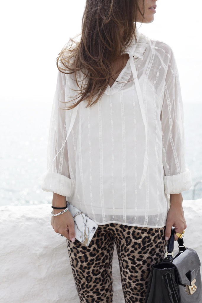 06_Highly_preppy_blouse_and_leopard_pants