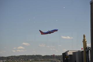 Southwest 737-700 DCA 10-17-14 2