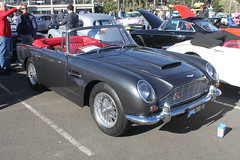 austin-healey 3000(0.0), ac ace(0.0), coupã©(0.0), race car(1.0), automobile(1.0), vehicle(1.0), aston martin db4(1.0), aston martin db2(1.0), aston martin db5(1.0), antique car(1.0), classic car(1.0), vintage car(1.0), land vehicle(1.0), convertible(1.0), sports car(1.0),