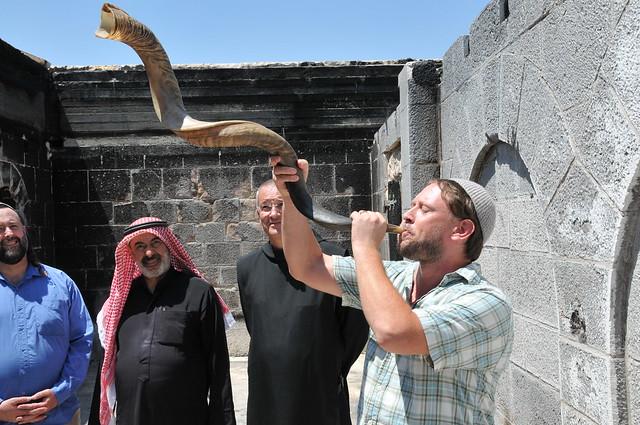 Blowing shofar, Eliyahu, Sheikh Abu Adel, Father Mathias listen