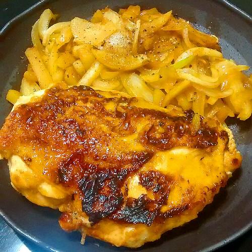 鶏むね肉のとろーり大葉チーズはさみ焼き!