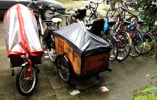 cargo-bikes-in-the-rain
