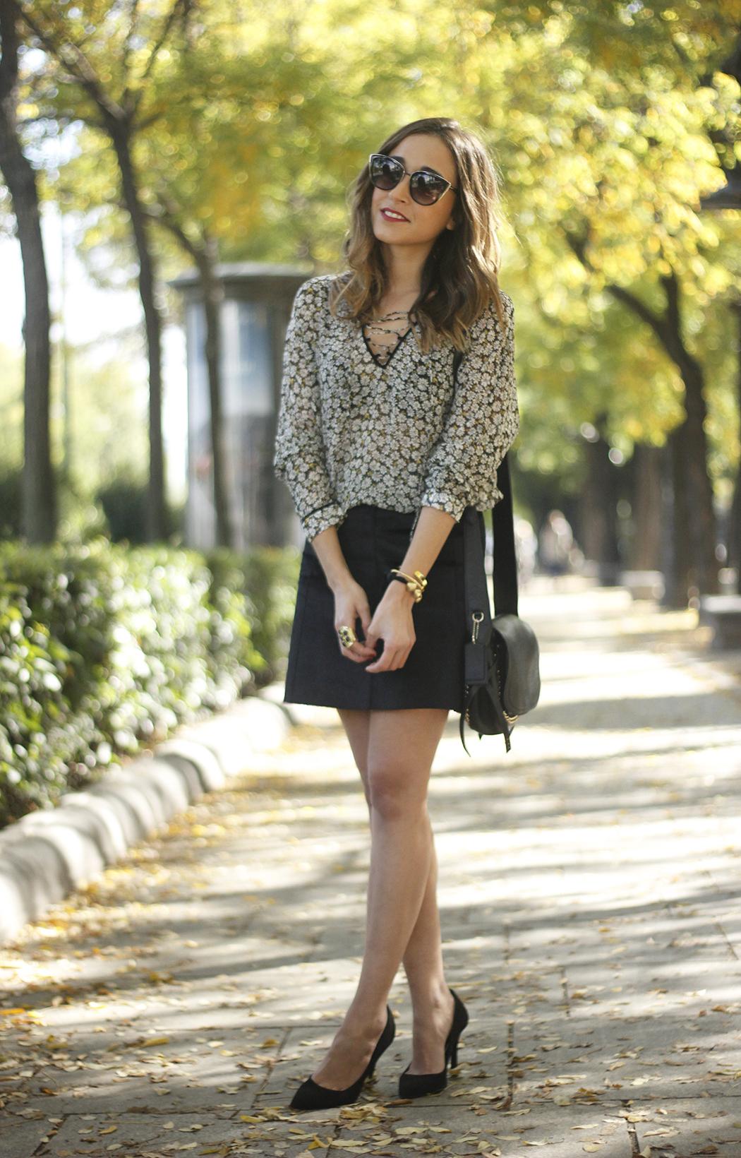 Daisy shirt with black shirt06