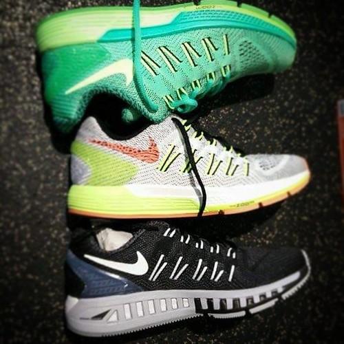 Twijfel. Over loopschoenen en marathon. Help mij kiezen! Link in bio. #running #marathon #nikeodyssey