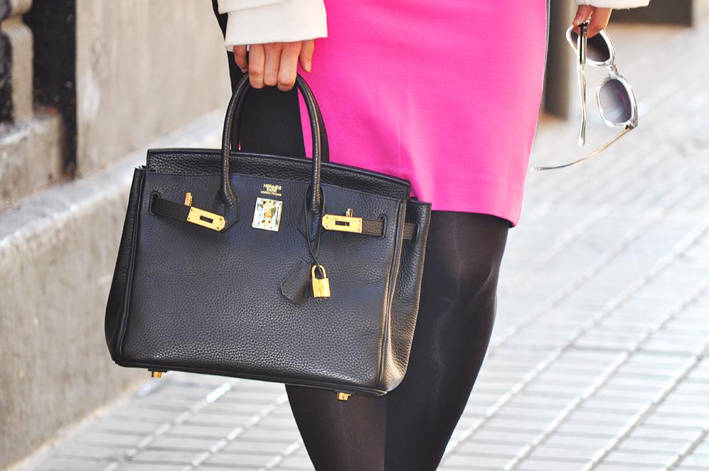 valencia spain blogger moda fashion, somethingfashion amanda ramon, pink skirt pencil beloved white coat hermes birkin streetstyle, streetsyle fedora hat with skirt and coat transparent sunglasses fashionable cool outfit