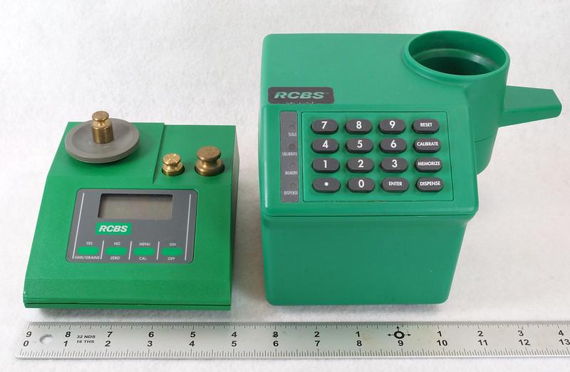 RD14599 RCBS PACT Electronic Digital Precision Powder Dispenser & Scale RD14598 DSC06339